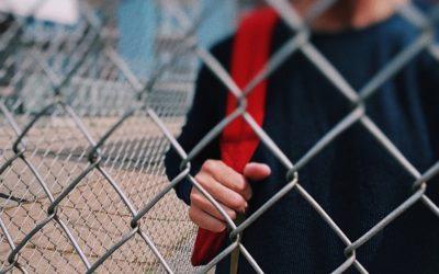 «Не верю, что никаких тревожных звоночков не было»: психолог — о причинах трагедии в Карпинске